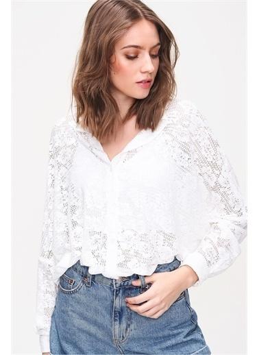 Pink Park Transparan Dantel İşlemeli Oversize Gömlek ALC0012 Beyaz